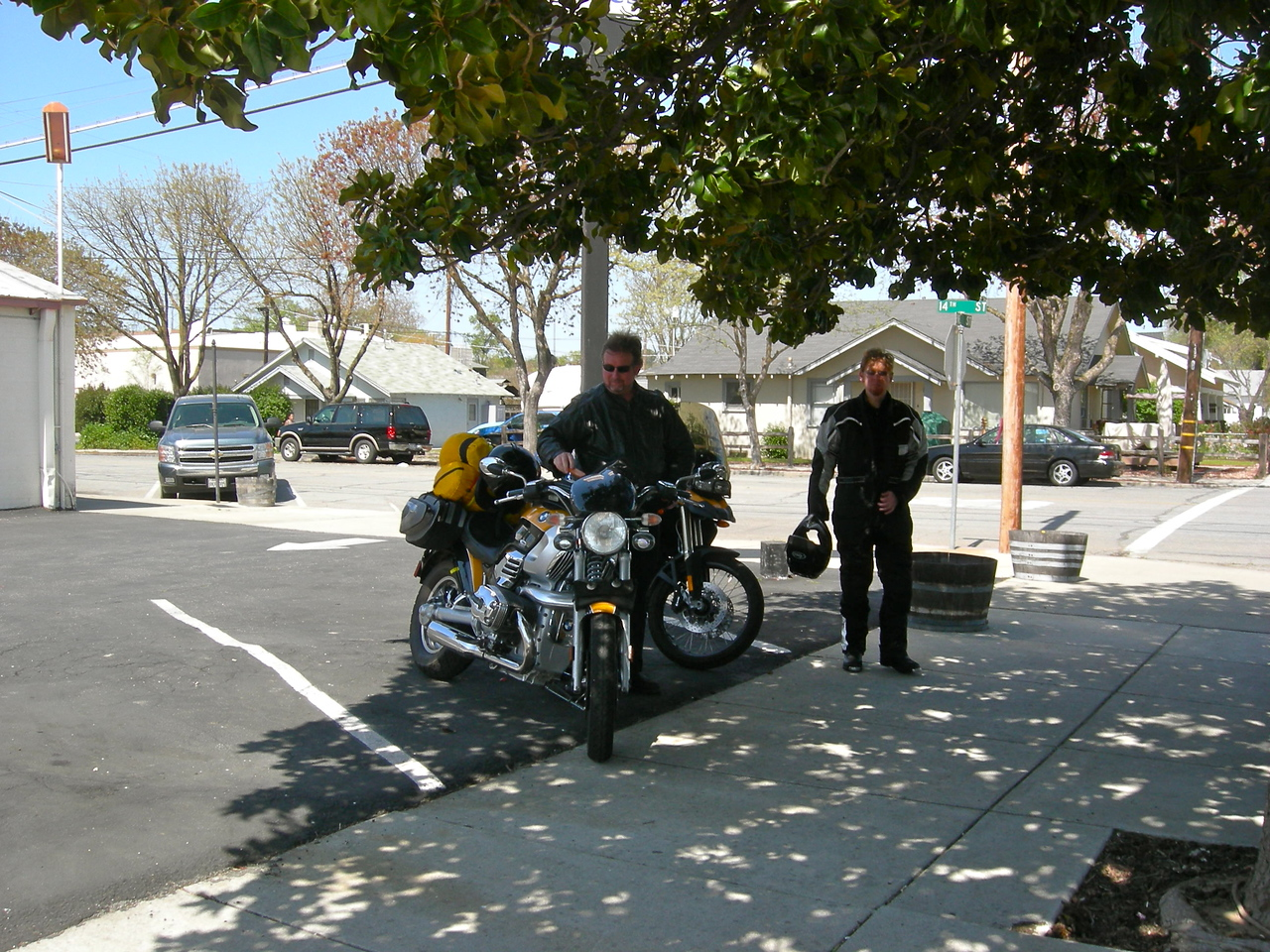 Scot Orr & Cliff Dunn stop for lunch in Paso Robles.