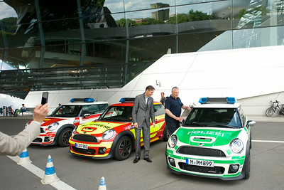 Innenminister Joachim Herrmann besucht die BMW-Welt | zur BR Radtour  am 03. August 2014