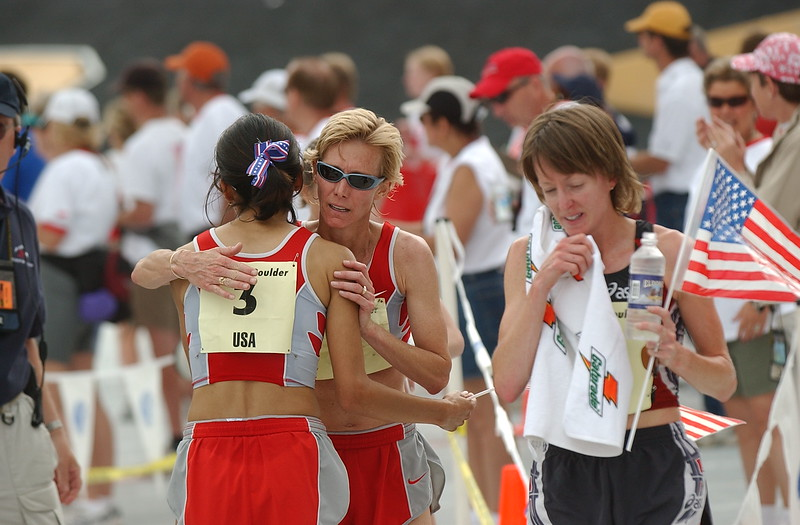 S0526PROWMN4<br /> Photo by Jon Hatch <br /> Colleen De Reuck and Deena Drossin after the running of the 2003 Bolder Boulder.