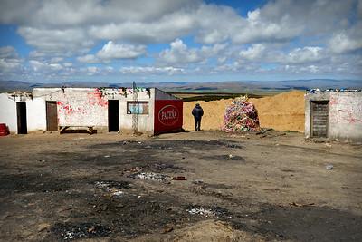 011 Road to Oruro Bolivia © David Bickerstaff