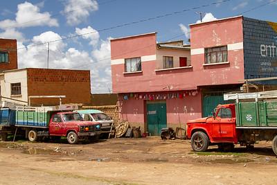 014 Road to Oruro Bolivia © David Bickerstaff