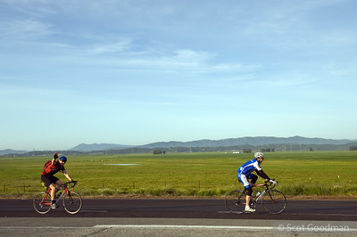 7:44am. Lakeville Hwy, Petaluma. Mile 26.5. Lee and John Ormsby.