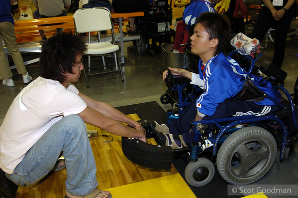 I met Yoshifumi at a national power soccer tournament in Indiana. Japan was invited to participate. Yoshifumi was a member of this team. I met several people from the team, and recently a friend from the team wrote to me to tell me that Yoshifumi had died from heart failure. He was a very playful and colorful person, and he made friends easily. I will miss Yoshifumi very much.