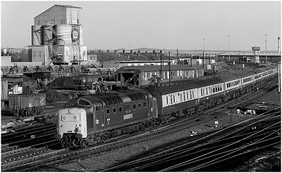 "55021 ""Argyll and Sutherland Highlander"" passes Heaton CS on the 0950 Edinburgh-Plymouth.  18th November 1980"