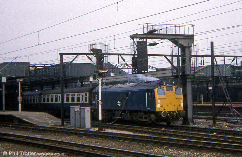 An early series class 25 gets a top up at Crewe before departing for Cardiff.