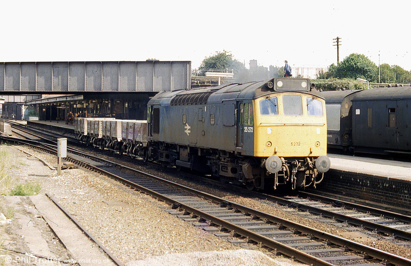 25272 passes through Wrexham General with a short train of clay wagons - possibly en route to/from Abenbury Brickworks - in 1980. 25272 was cut up at Derby in August 1982.