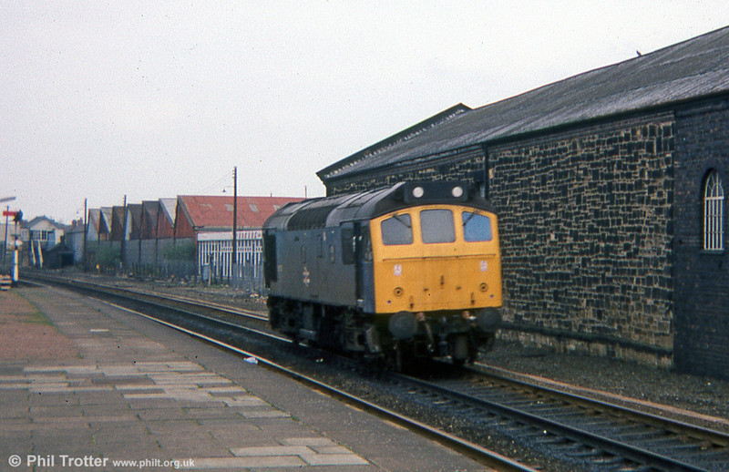 A solitary class 25 wanders south through Wrexham General in 1978.