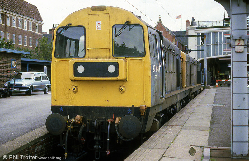 20134 and a companion rest in the bay platform at Stoke on Trent in September 1985.