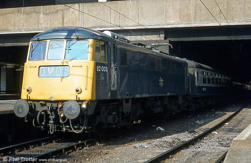 The ten class 82 AC electric locomotives were built by Beyer, Peacock and Company between 1960 and 1962. 82003 is seen at Birmingham New St.