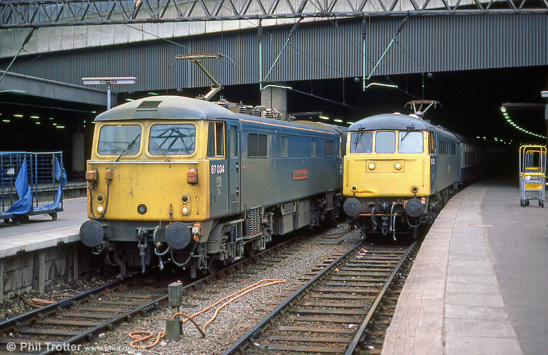 87034 'William Shakespeare' and 85032 awaiting departure from London Euston in May 1985.