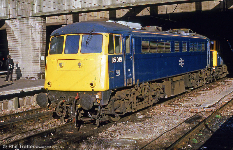 Forty class 85 locomotives were built from 1961-64 by BR at Doncaster Works.  85019 was noted at Birmingham New Street in September 1985.
