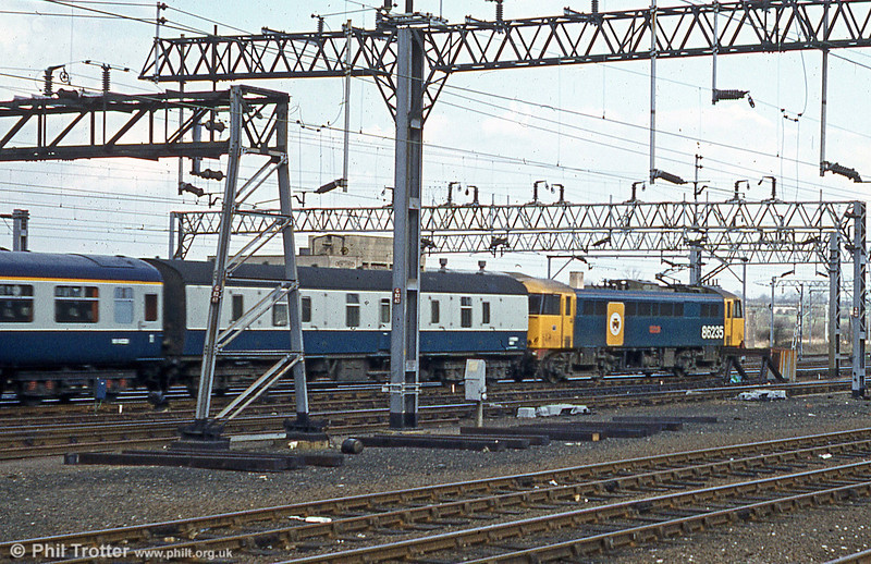 86235 'Novelty' at Crewe in 1981.