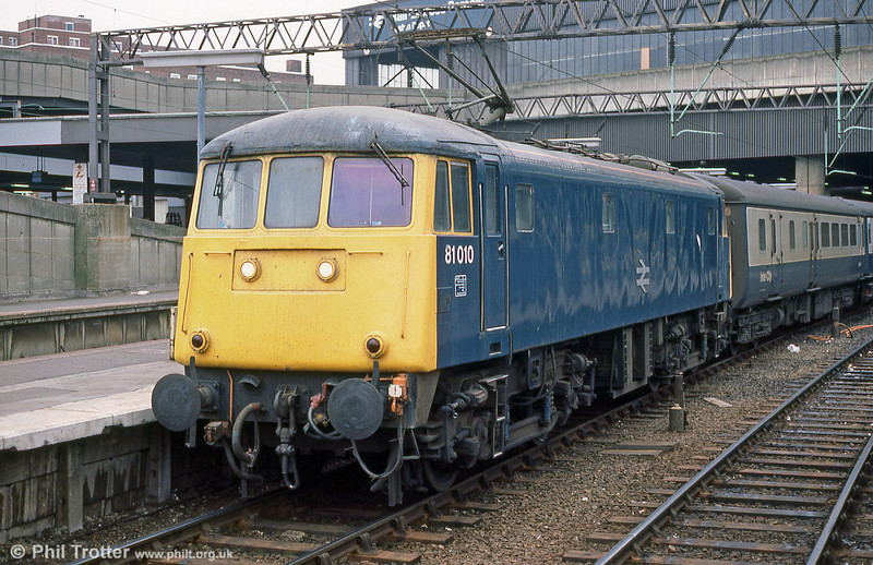 81010 at Euston in May 1985. The first West Coast AC locomotives to be delivered were of type AL1 designed by British Thomson-Houston (BTH), an order being placed for 25 examples. Of these, 23 were for use on passenger trains with a top speed on 100 mph and were designated Type A. The former E3012 met its fate at Coopers Metals, Attercliffe in November 1991.
