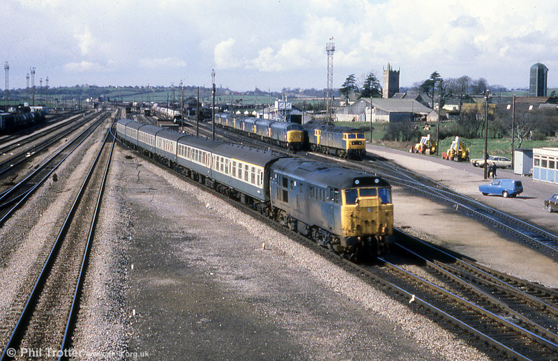 22nd March, 1980 and 31423 passes through Severn Tunnel Junction, probably on a Cardiff to Portsmouth Harbour service. At this time, the yard - which was closed in October 1987 to make way for access to the second Severn Bridge - was still busy and had a large allocation of locomotives.
