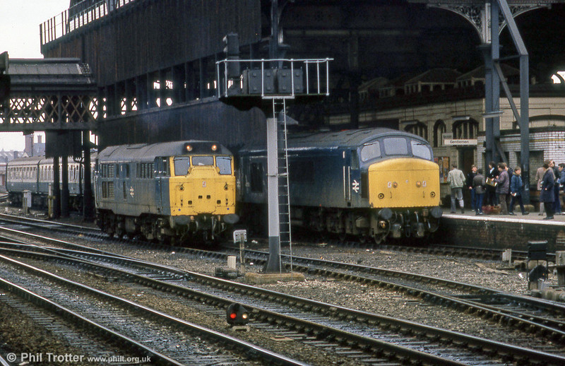 A class 31 and 'Peak' in the less than palatial surroundings of Manchester Victoria.