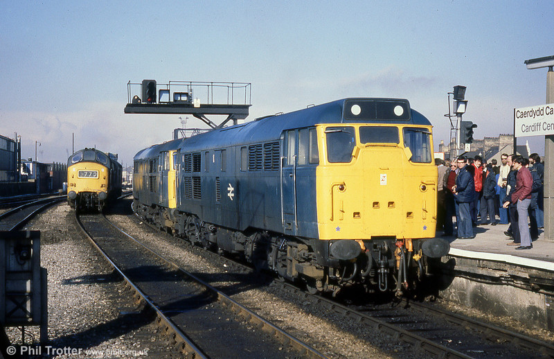 31118 and 31158 at Cardiff Central on 22nd March 1980.