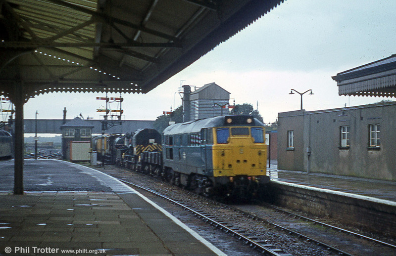 31213 passes Westbury with the Bristol Bath Road breakdown train on 23rd August 1979.
