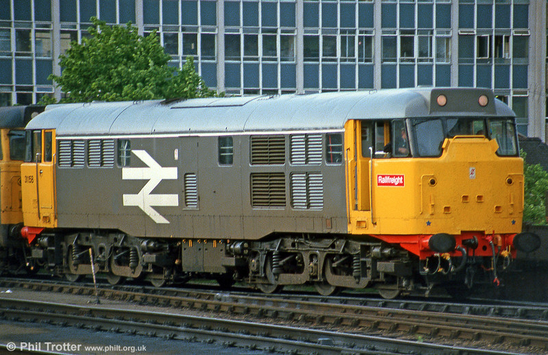 31158 ex-works in Railfreight grey livery at Bristol Temple Meads in June 1985.