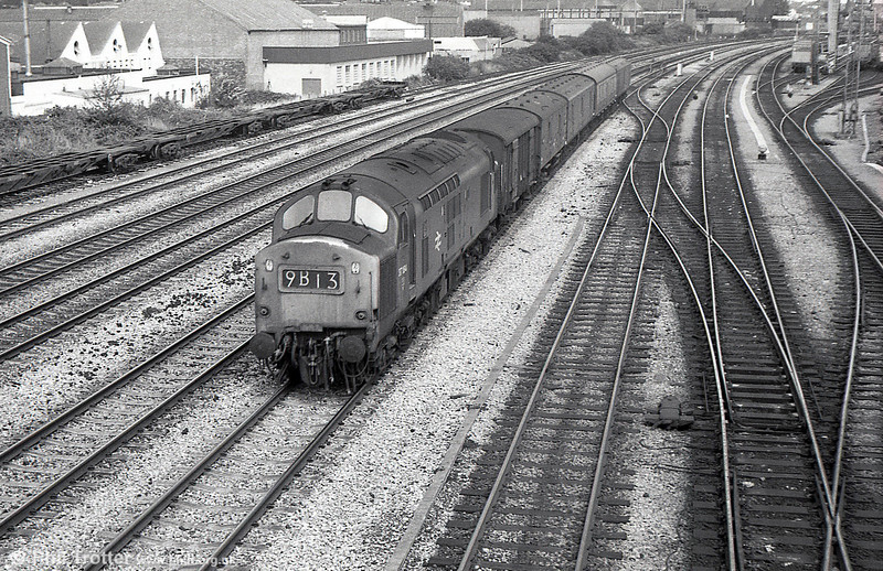 37184 passes the Freightliner Terminal at Cardiff Pengam with a down parcels working in August 1975.