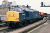 Nowadays to be found at the Bodmin & Wenford Railway, 37142 passes through Cardiff Central in January 1989.