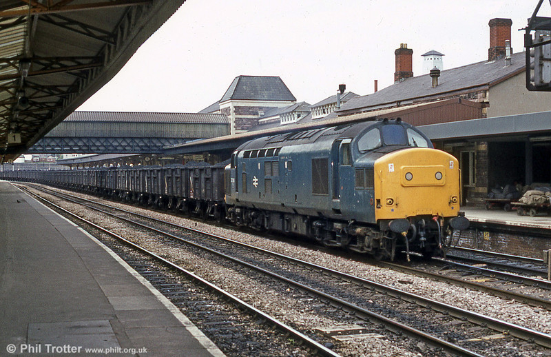 Class 37 on a coal train at Newport in June 1984.
