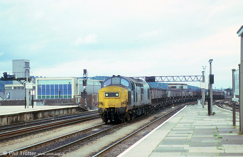 37278 passes through Cardiff Central with a coal train on 30th July 1979.