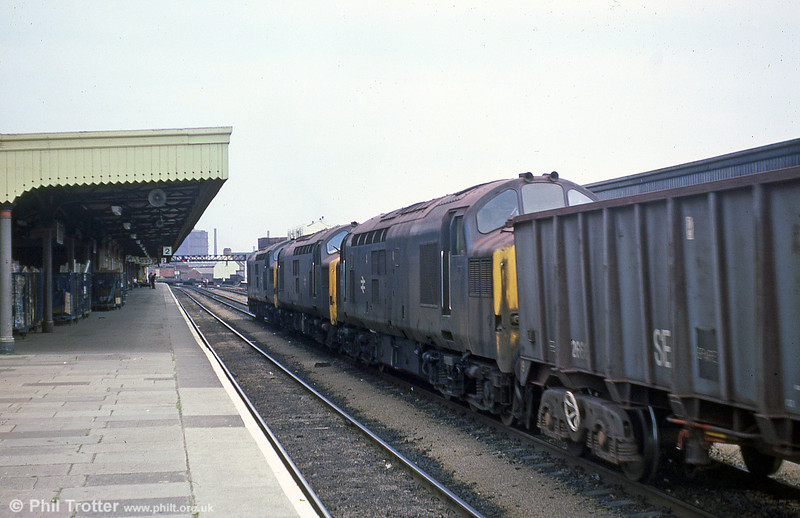 The Port Talbot to Llanwern iron ore trains were triple headed by class 37s for a time, as depicted here at Cardiff Central on 16th July 1979. Note the sprinkling of iron ore dust on the locomotives.