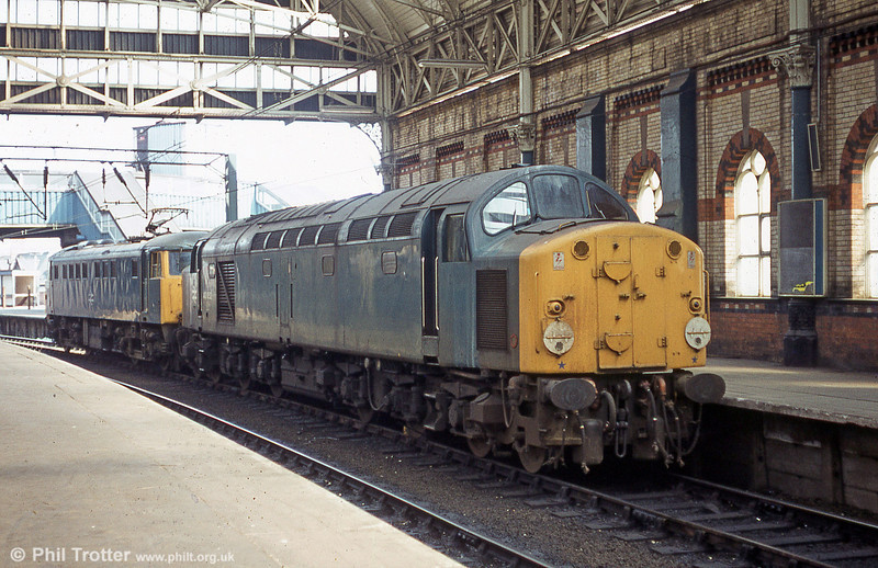 40052 is shunted from Manchester Piccadilly during August 1984.