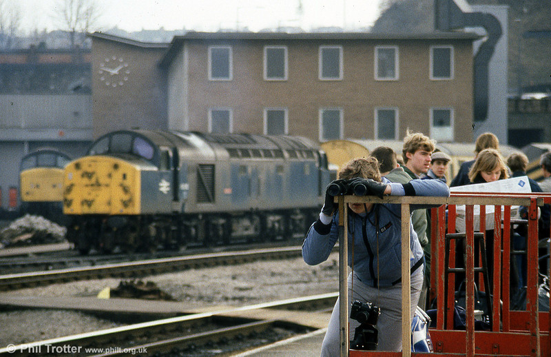 Anoraks! Bristol Temple Meads with 40012 'Aureol' on 26th January 1985.
