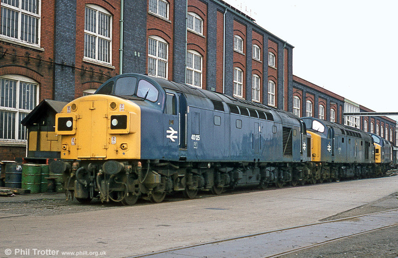 40125 and two sisters at Swindon works, shortly after withdrawal on 19th August 1981. The loco was cut up there in December 1983.