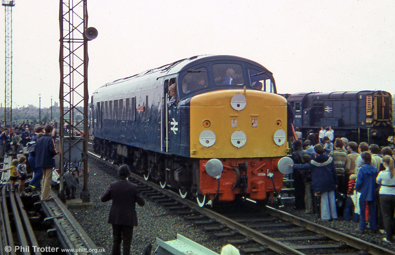 How many people can you squeeze into the cab of a Peak? 44008 'Penyghent' at the Toton Open Day, 9th June 1979.