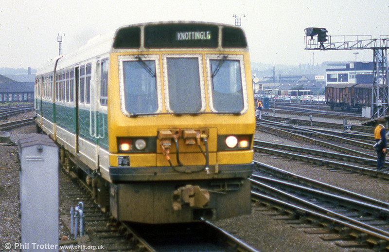 A further view of one of the unpopular class 141 units at Leeds during September 1985.