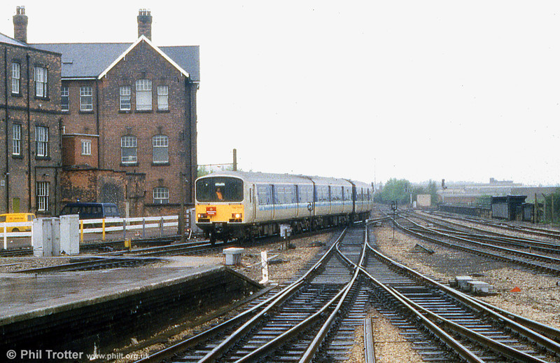 150002 returns to Derby from Wirksworth with 'The Wirksworth Phoenix' on 25th May 1985.