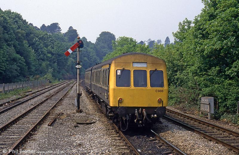 A class 101 dmu, set no. C986, heads away from Radyr in 1989.