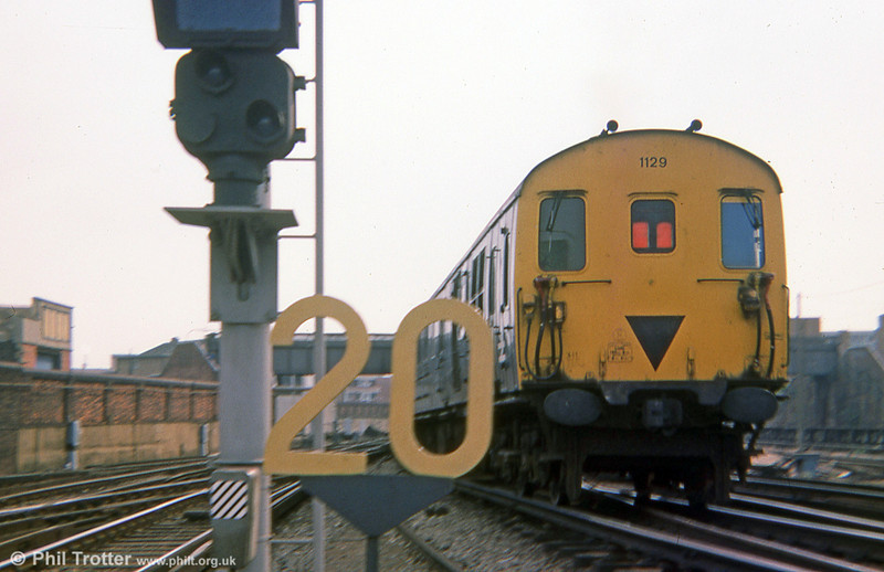 Class 205 Berkshire demu no. 1129 at Portsmouth & Southsea on 1st September 1975. This unit is now preserved at the Pontypool and Blaenavon Railway.
