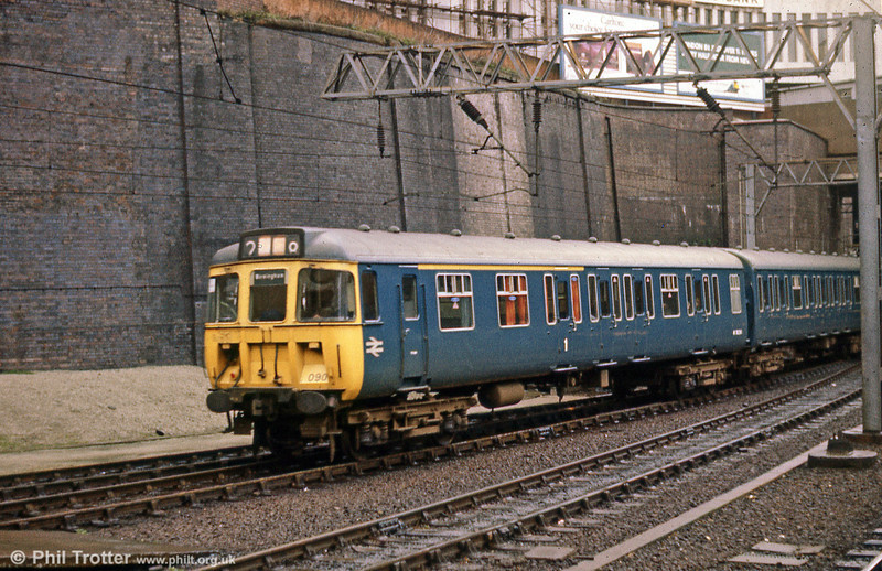 310090 arriving at Birmingham New Street.