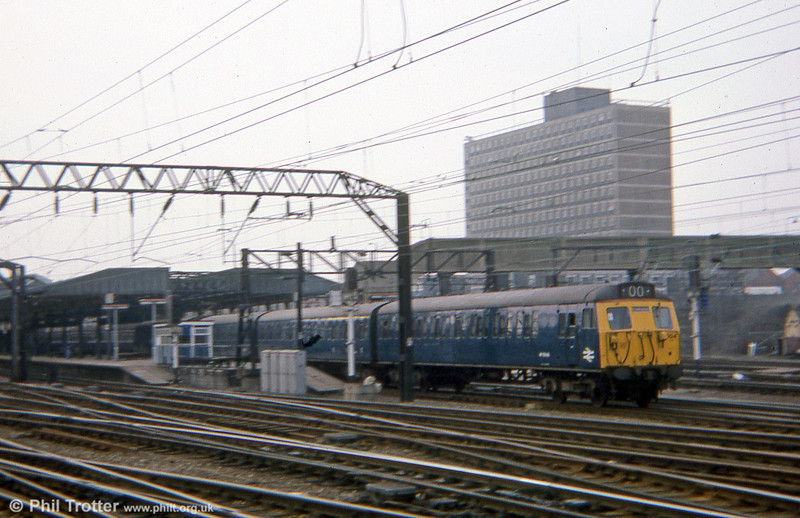 A LMR class 304 304004 leaves Crewe for Manchester Piccadilly in March 1978. The type was withdrawn in March 1996.