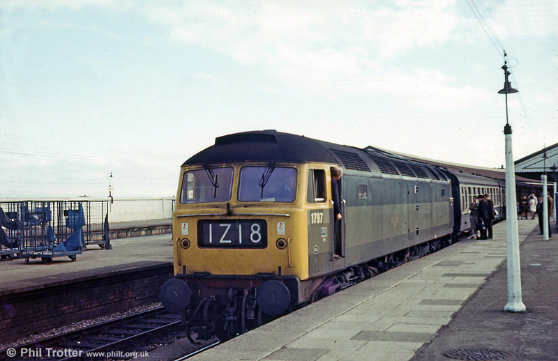 (D)1797 seen at Swansea on a special working. This later became 47316, eventually passing to Cotswold Rail and was named 'Cam Peak'. It was scrapped by Thomsons, Stockton in April 2008.
