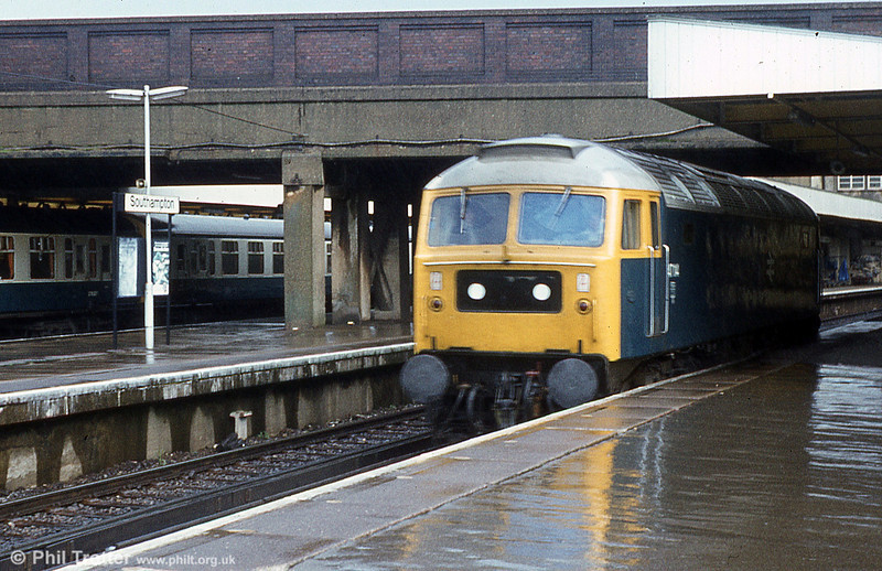 47114 on a wet day at Southampton.