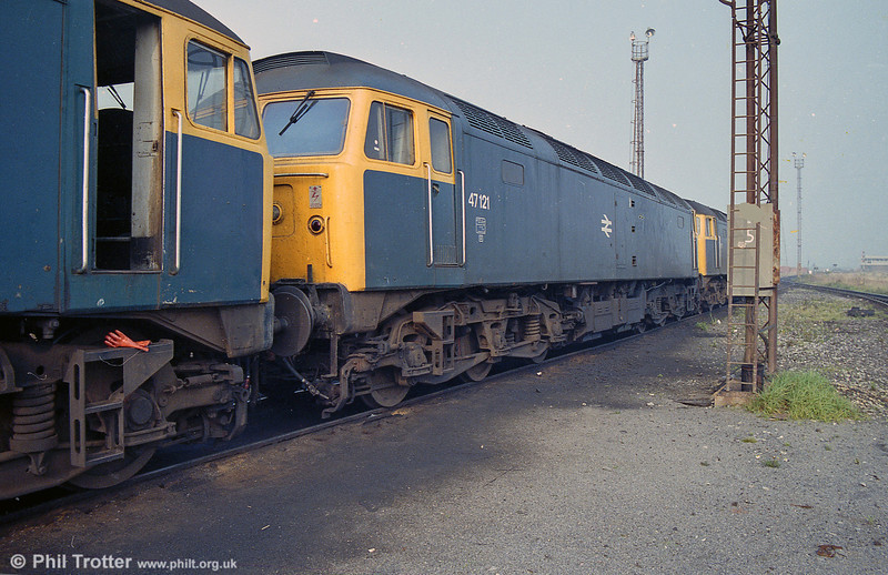 47121 at Margam MPD on 29th September 1985. 47121 was disposed of by M. R. J. Phillips at Old Oak Common in April 1997.