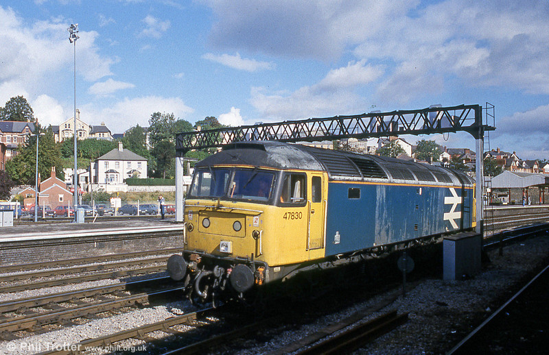 47830 passes through Newport on 23rd September 1990. This loco later passed to FGW and still exists, being stored at Crewe.