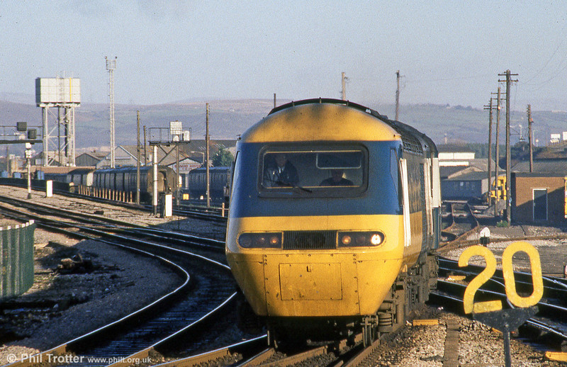 An HST set pulls into Swansea from Maliphant Street sidings ready to form a morning departure for London Paddington.