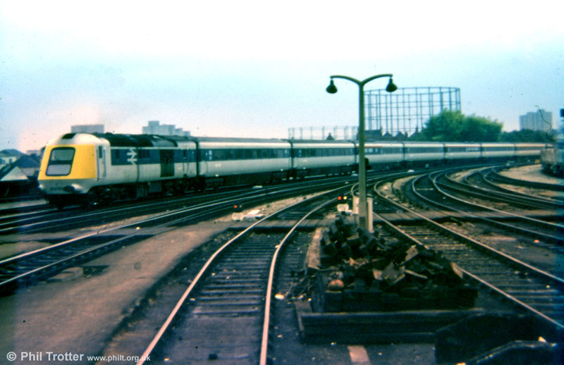 HST prototype 252001 heading away from Bristol Temple Meads on 2nd September 1975.