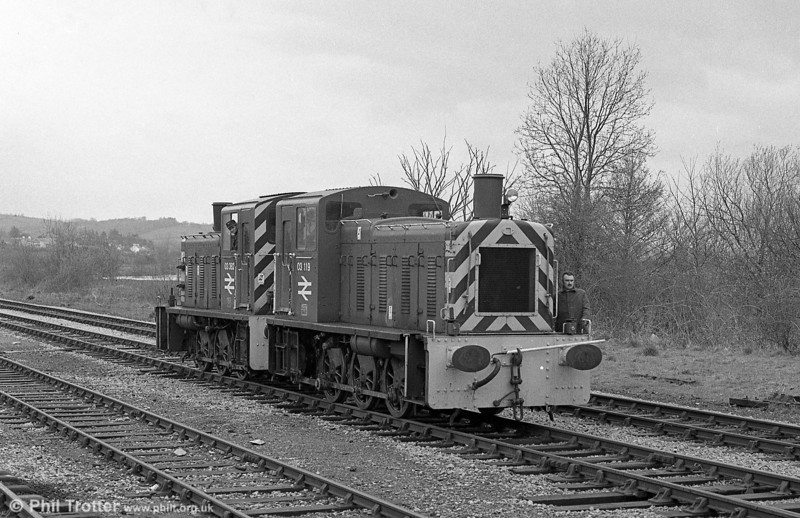 Class 03s 03119 and 03382 at Llandeilo on 11th April 1983. The absence of trees, compared with today's scene is noticeable.