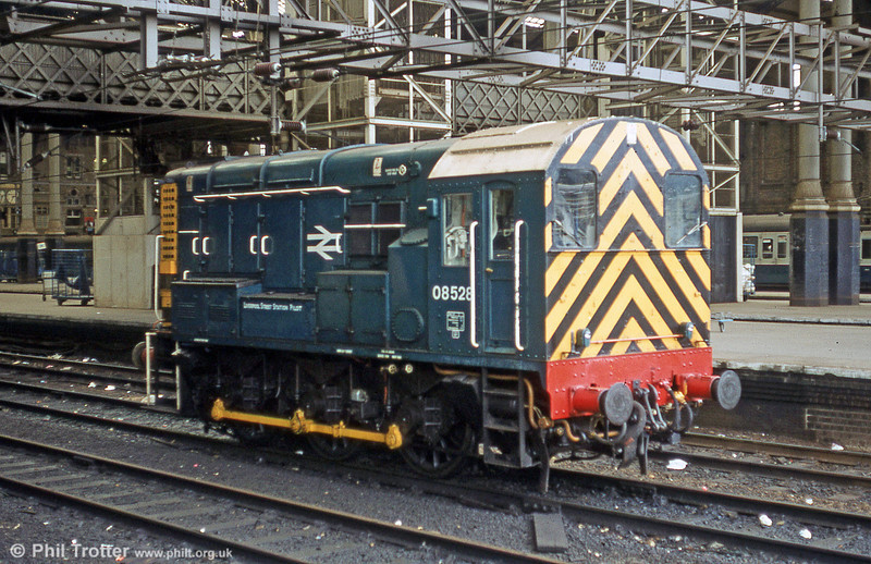 08528, in use as the Liverpool Street Station Pilot and lettered accordingly, on 5th August 1980. 08528 survives at the Battlefield Line.