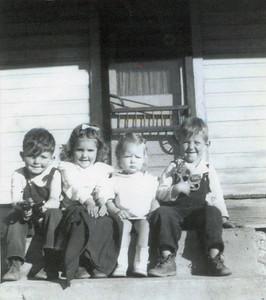 Bramwell-Kinser, Lois May: 6th born to Jake & Hattie Bramwell