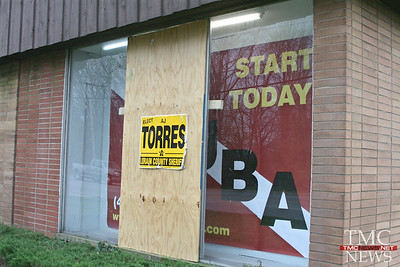 CAMPAIGN SIGNS STOLEN – SIGN POST THEN USED TO SMASH STOREFRONT WINDOW