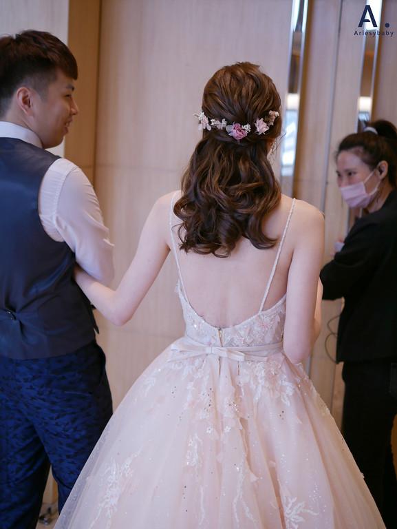 台北新秘,清透妝感,甜美新娘造型,花藝新娘造型,編髮新祕
