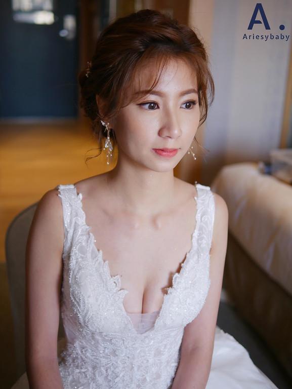 清透妝感,氣質新娘造型,編髮造型,花藝造型,蓬鬆盤髮