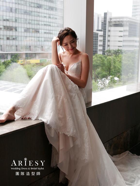 新秘、歐美系妝感、低盤髮造型、白紗戶外證婚、自然輕透妝感